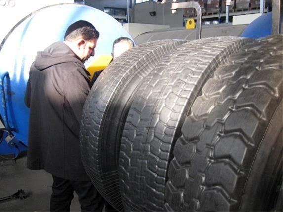 توزیع 15هزار لاستیک بین کامیونداران خوزستانی