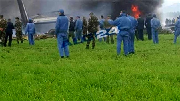 200 feared dead after military plane crash in Algeria