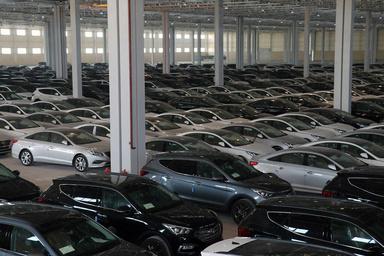 سود 4 هزار میلیاردی واردات خودرو به چه کسانی رسید؟