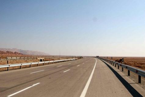 بزرگراه دیلم به گناوه امسال تکمیل میشود