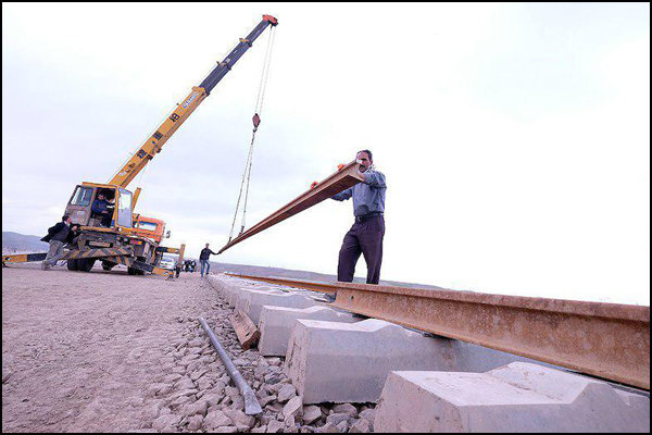 ریلگذاری گمرک تا راهآهن  قم در هفته دولت