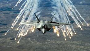 عکسی که پنتاگون از خط تولید جنگنده اف 22 منتشر کرد