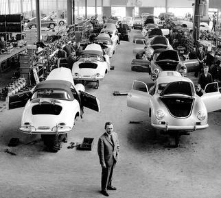 خط تولید کارخانه زوفن هاوزن در سال 1961