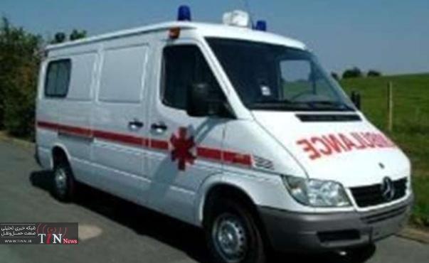 واژگونی تاکسی ون در بزرگراه تهران - کرج هشت مسافر را راهی بیمارستان کرد