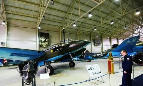 نمایشگاه هواپیماهای جنگی دوران شوروی.jpg4