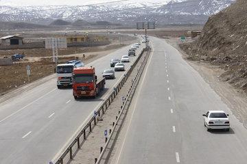 کاهش 5 درصدی ترافیک راهها و تردد روان در جادهها/10 محور مسدود است