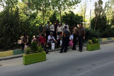 ◄ تجمع مالکان کامیون های فرسوده جلوی وزارت راه و شهرسازی