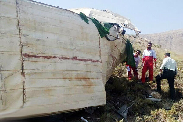 13 کشته بر اثر سقوط مینی بوس در محور بویین و میاندشت - خوانسار