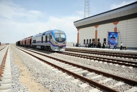 بعد از ماه رمضان جشن رسیدن قطار به کرمانشاه را میگیریم