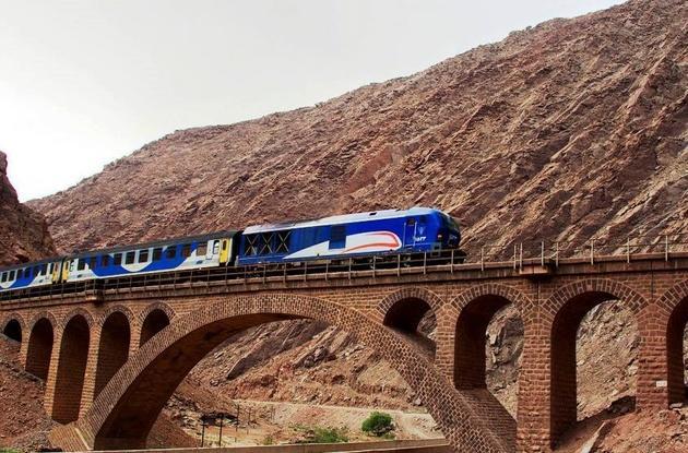 روستاییان سوادکوهی از قطار گردشگری منتفع میشوند