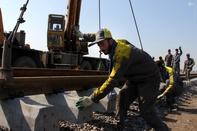 فقط یک کیلومتر تا اتمام ریلگذاری راهآهن رشت-قزوین