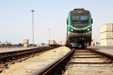 احداث راه آهن آستارا نقش  به سزایی درافزایش صادرات کالا ایفا می کند