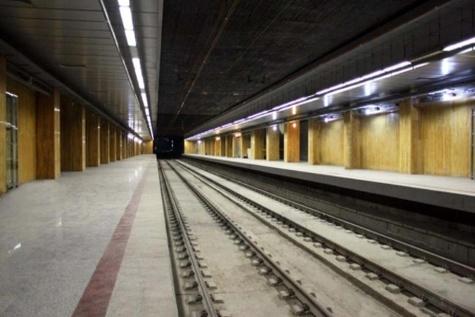 خودکشی زن جوان در مترو ناکام ماند
