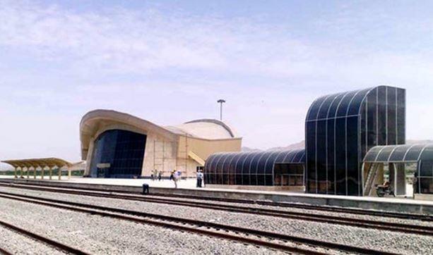 ضرورت ایجاد خط تاکسی به ایستگاه راهآهن همدان