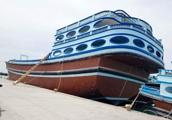 «لنج» ۱۳۰۰ تنی ساخت ایران به خارج از کشور صادر شد
