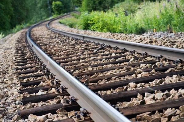 ریلگذاری راهآهن اردبیل در ایام دهه فجر آغاز میشود
