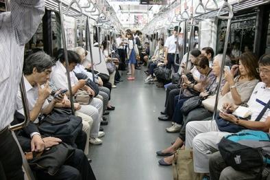 تشویق ژاپنیها به متروسواری در ساعات غیرپیک با یک روش جالب
