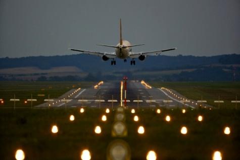 توسعه زیرساختهای فرودگاهی همزمان با نوسازی ناوگان هوایی