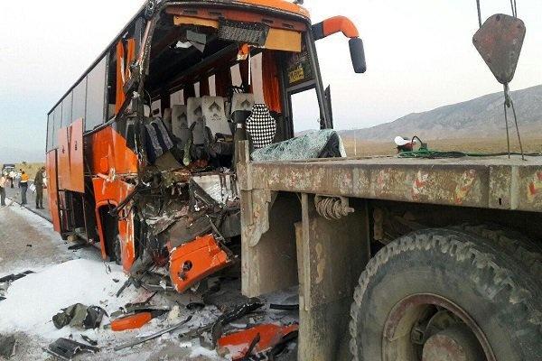 تصادف در آزاد راه زنجان به تبریز ۱۴مصدوم برجای گذاشت