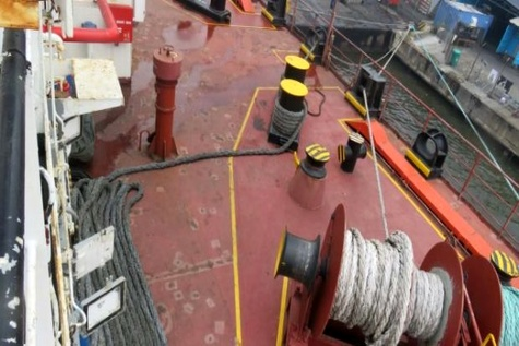 Fatal accident during mooring operation on deck