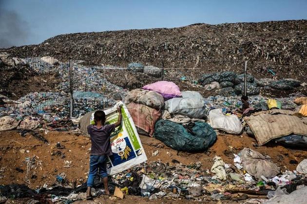 گزارش تصویری  بازیافت زباله در موزامبیک