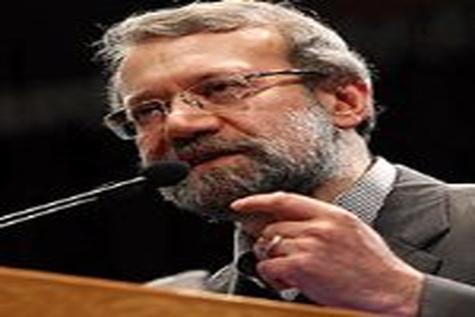 لاریجانی:  تمام تلاش مجلس و دولت کاهش اتکای بودجه جاری ۹۴ به نفت است