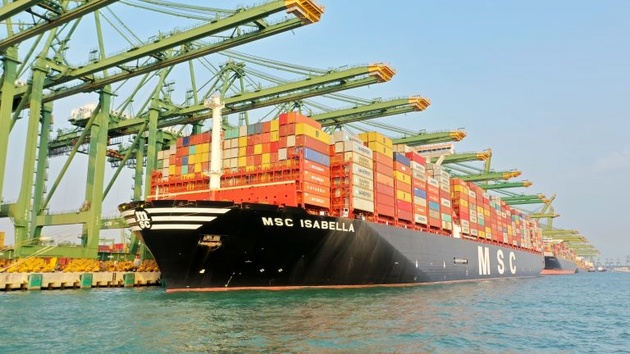 Singapore Welcomes Its Largest Containership to Date