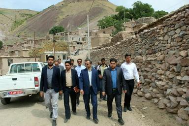 بازدید فرماندار شهرستان فاروج از راههای روستایی و پروژه های