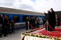 حضور رئیسجمهوربرای افتتاح راه آهن میانه - بستان آباد