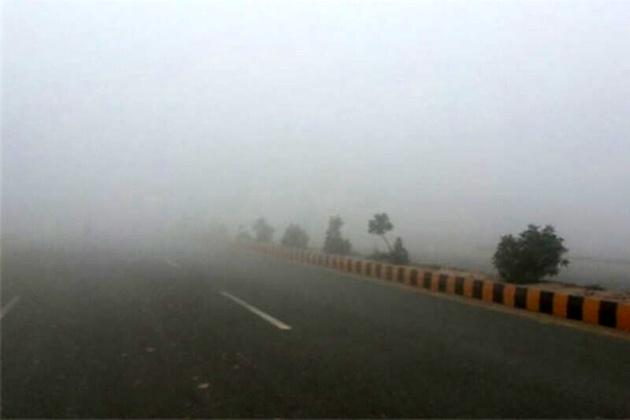 پنج مسیر ارتباطی زنجان مه آلود است