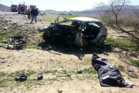 ۲ سرنشین پژو در جاده نایین - یزد در آتش سوختند