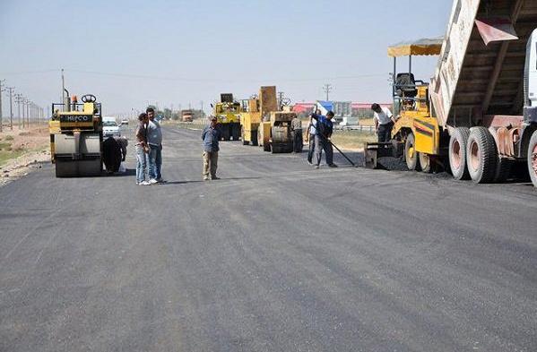 اجرای روکش آسفالت در ۶۵۰ کیلومتر از راه های آذربایجان غربی