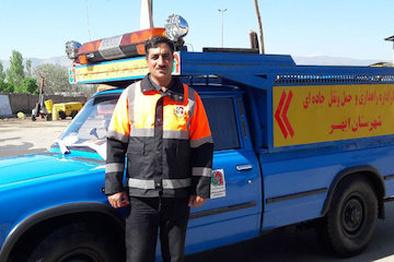 راهدار ابهری جان پنج سرنشین یک خودرو واژگون شده را نجات داد