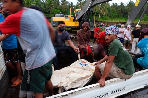 حادثه سقوط هواپیمای فیلیپین ۵۰ کشته و ۴۹ زخمی به جا گذاشت
