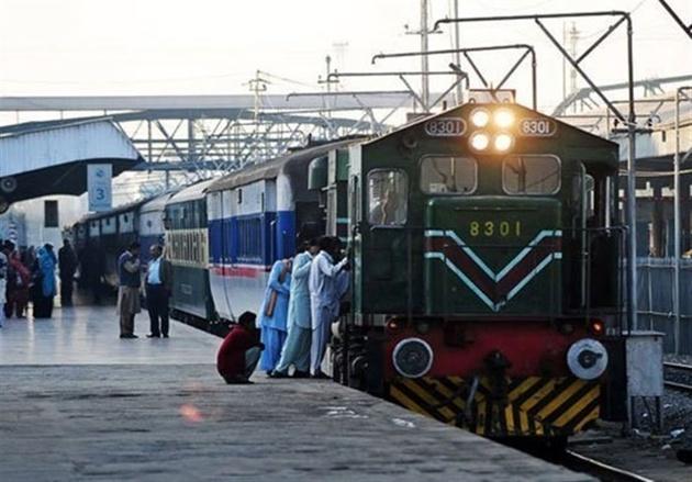 کاهش قیمت بلیط قطار در پاکستان همزمان با نزدیک شدن تعطیلات عید فطر