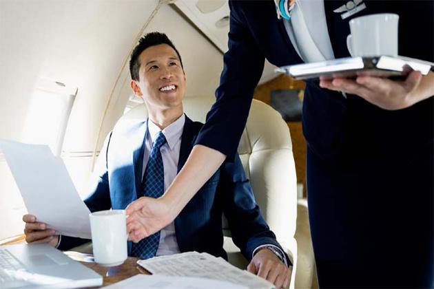 چرا نباید در هواپیما چای و قهوه نوشید؟