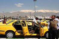 اعتراض رانندگان سواری کرایه به توقیف 40 روزه مجوز کار