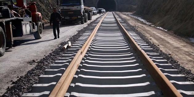 چند قدم تا پایان پروژه قطار خرمآباد-دورود