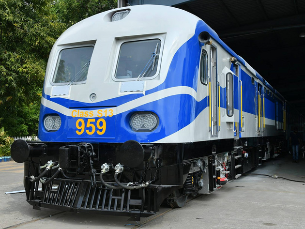 ICF unveils Sri Lanka Railways diesel-electric multiple units