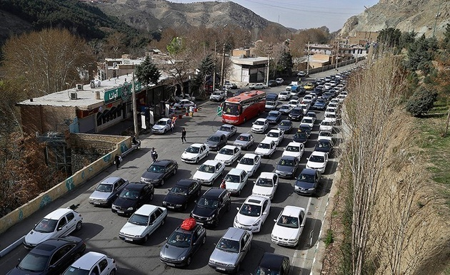 ترافیک در جاده کرج - چالوس سنگین است