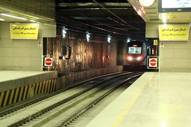 خط ۲ متروی شیراز تست شد/پیشرفت ۷۰ درصدی فاز یک