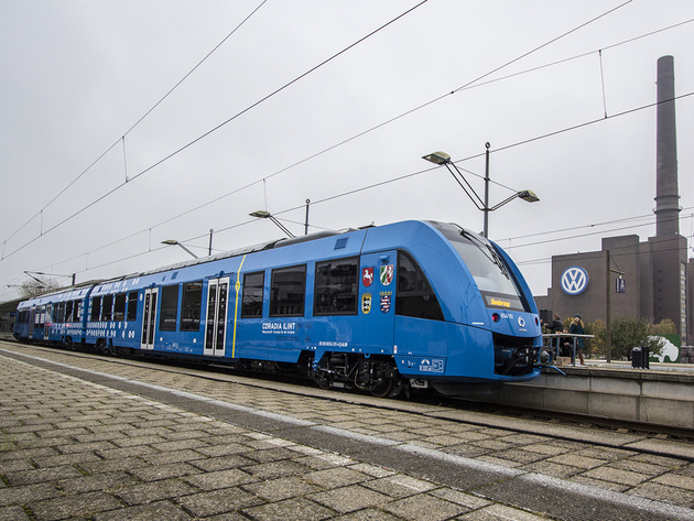 Hydrogen could replace diesel in 15 years says LNVG, as fuel cell train contract signed