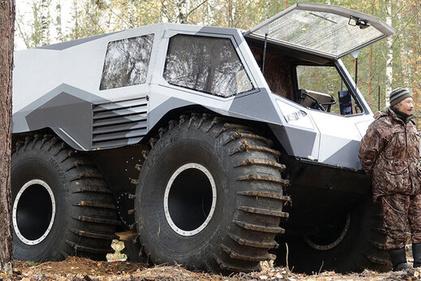 با این ماشین هر جا خواستید بروید؛ حتی وسط رودخانه!