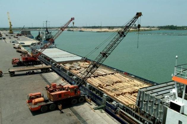 بندر امیرآباد هاب صادرات قیر شد/ ۵۰ هزار تن قیر ایرانی در CIS