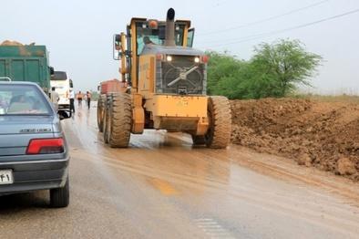 اعزام  43 دستگاه ماشین راهداری ازبوشهر به مناطق سیلزده