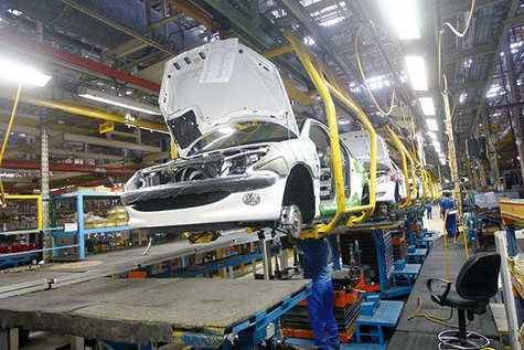 خودروسازان مراقب اجرای تعهدات شرکای خارجی باشند
