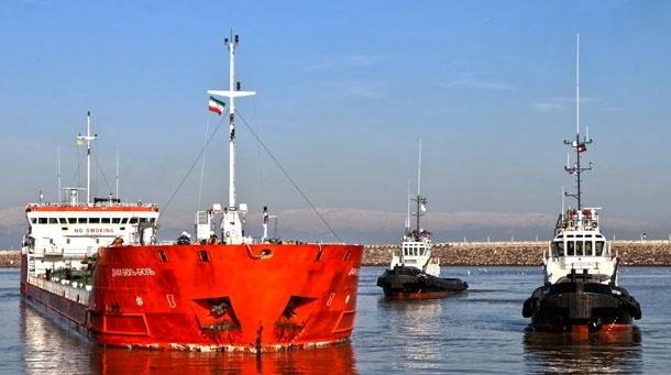 اولین کشتی حامل روغن خوراکی در بندر انزلی پهلو گرفت