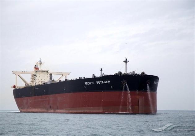 نفتکش انگلیسی در حال ادامه مسیر است