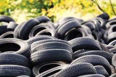 کشف ۱۵هزار حلقه لاستیک احتکار شده در همدان
