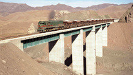 توسعه ریل و جاده تناسب ندارد